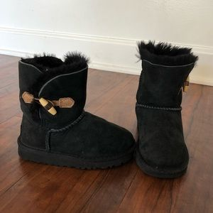 Black Fur Button Strap Ugg Boots